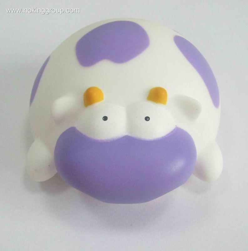 Bath toy of cow