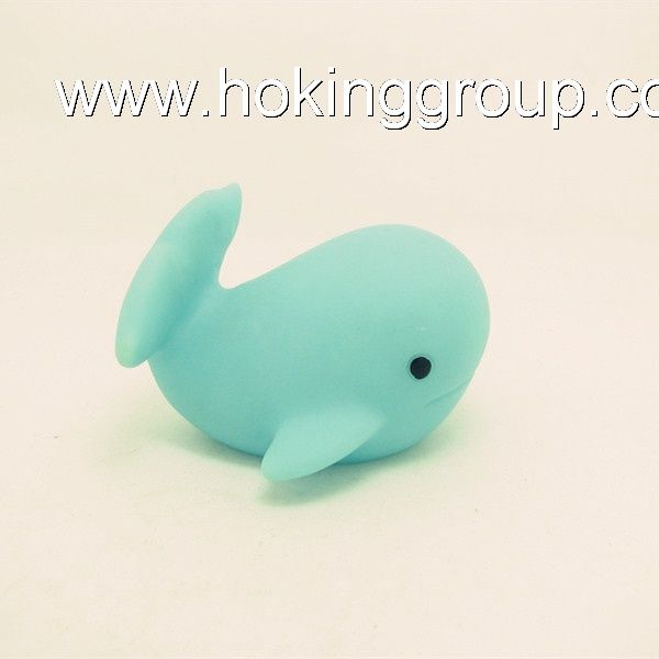Blue floating rubber whales bath toy